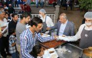 Şahin Vatandaşlara İftar Yemeği Dağıttı
