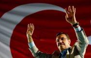 Bakan Tüfenkci Demokrasi Nöbeti'ne katıldı