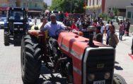 Demokrasi Nöbetine Traktörleri İle Geldi