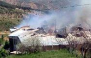 Köyde Çıkan Yangında 3 Ev Küle Döndü