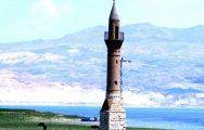 'Yalnız Minare' Zamana Meydan Okuyor