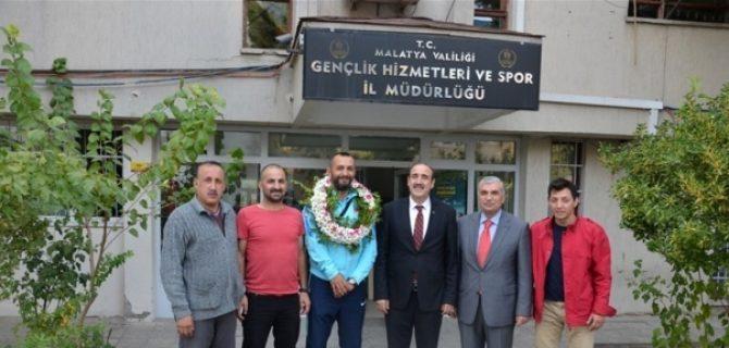 Selim Karadağ'a Memleketinde Büyük İlgi