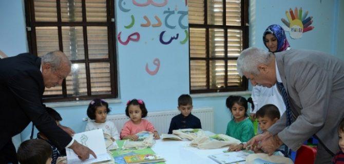 TARSİM'den Nezaket Okullarına Hediye