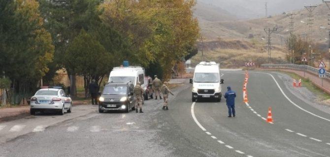 Jandarmanın Uygulamasında Aranan Şahıslar Yakalandı